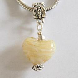 Mellem gult og hvidt hjerte