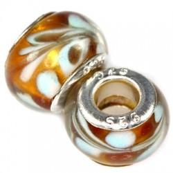 Gylden glas charm, med lyseblåt mønster.